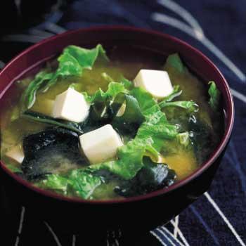 ricetta tofu to wakamejiru (zuppa di alghe e tofu) | cucina giapponese - Alghe In Cucina
